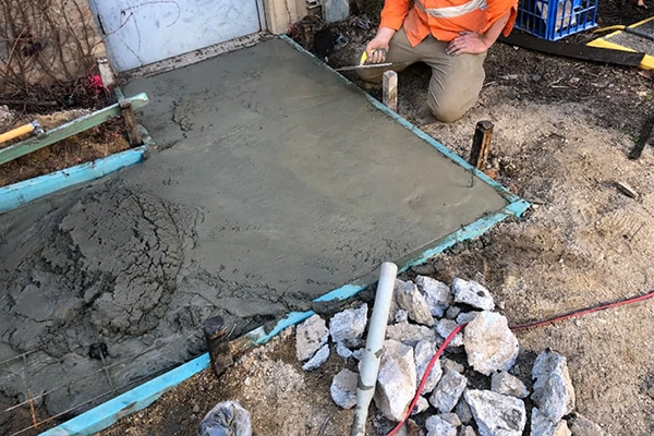 University of Sydney researchers have successfully poured sustainable cement pavement made from fly ash and recycled waste, such as ground glass and carbon dioxide.