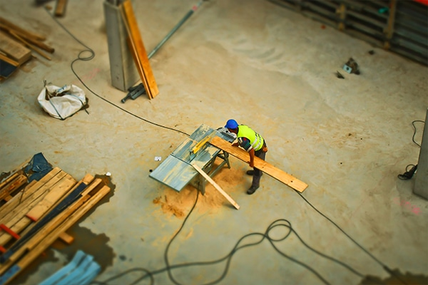 A new HomeBuilder program will provide $25,000 for owner occupiers to build or renovate their homes, as part of the Federal Government's push to support 140,000 direct jobs in the residential construction sector.