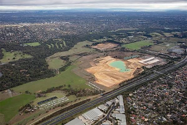 Property developer Mirvac Group and construction materials manufacturer Boral have agreed to transform a Melbourne quarry into 1700 residential lots.
