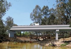 Stage three of a contract that will see a second river crossing built between Victoria and New South Wales at Echuca and Moama has been awarded, with construction set to begin in 2020.