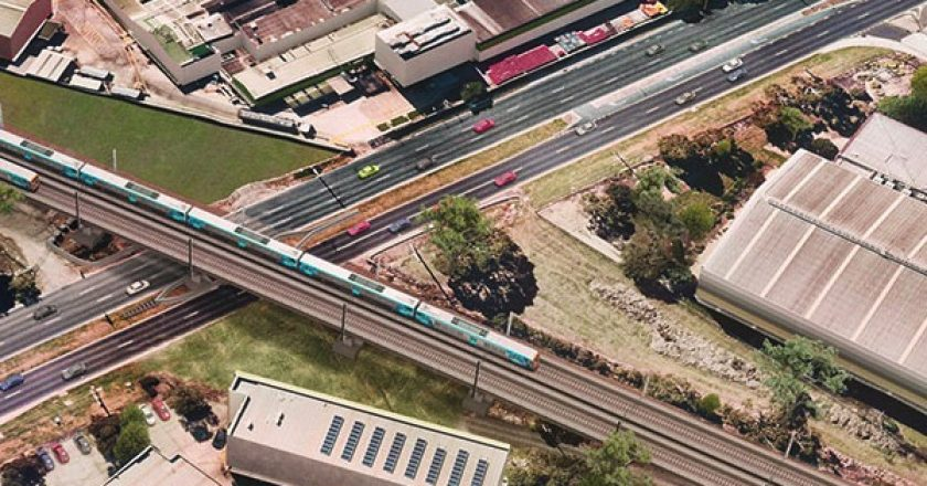 Two contracts have been awarded to remove a level crossing and to duplicate eight kilometres of track as part of the Victorian Government's plan to upgrade the Cranbourne Line.