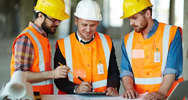 A contact tracing device, as small as a credit card, is changing the face of contact tracing in the essential industries operating safely through COVID-19. Contact Harald explains how its small solution can make a huge difference for construction sites.