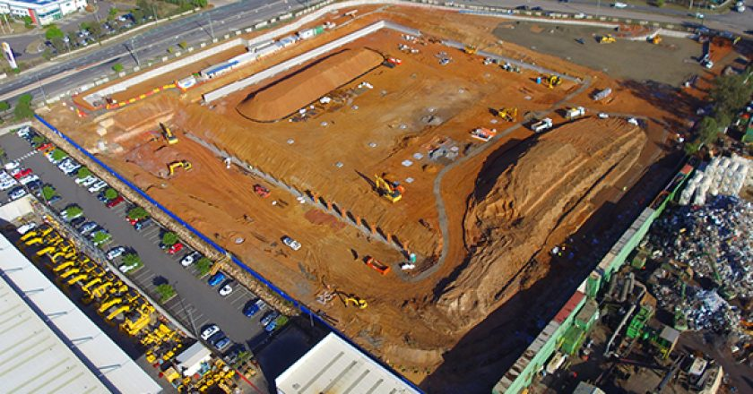 Construction is underway on Komatsu's new distribution centre in Wacol, Queensland, which aims to improve parts and components availability and reduce order turnaround times.