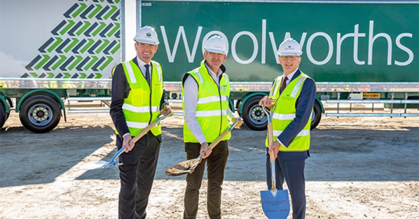 Woolworths has appointed Richard Crookes Constructions to build its Moorebank National Distribution Centre (DC) in Western Sydney.